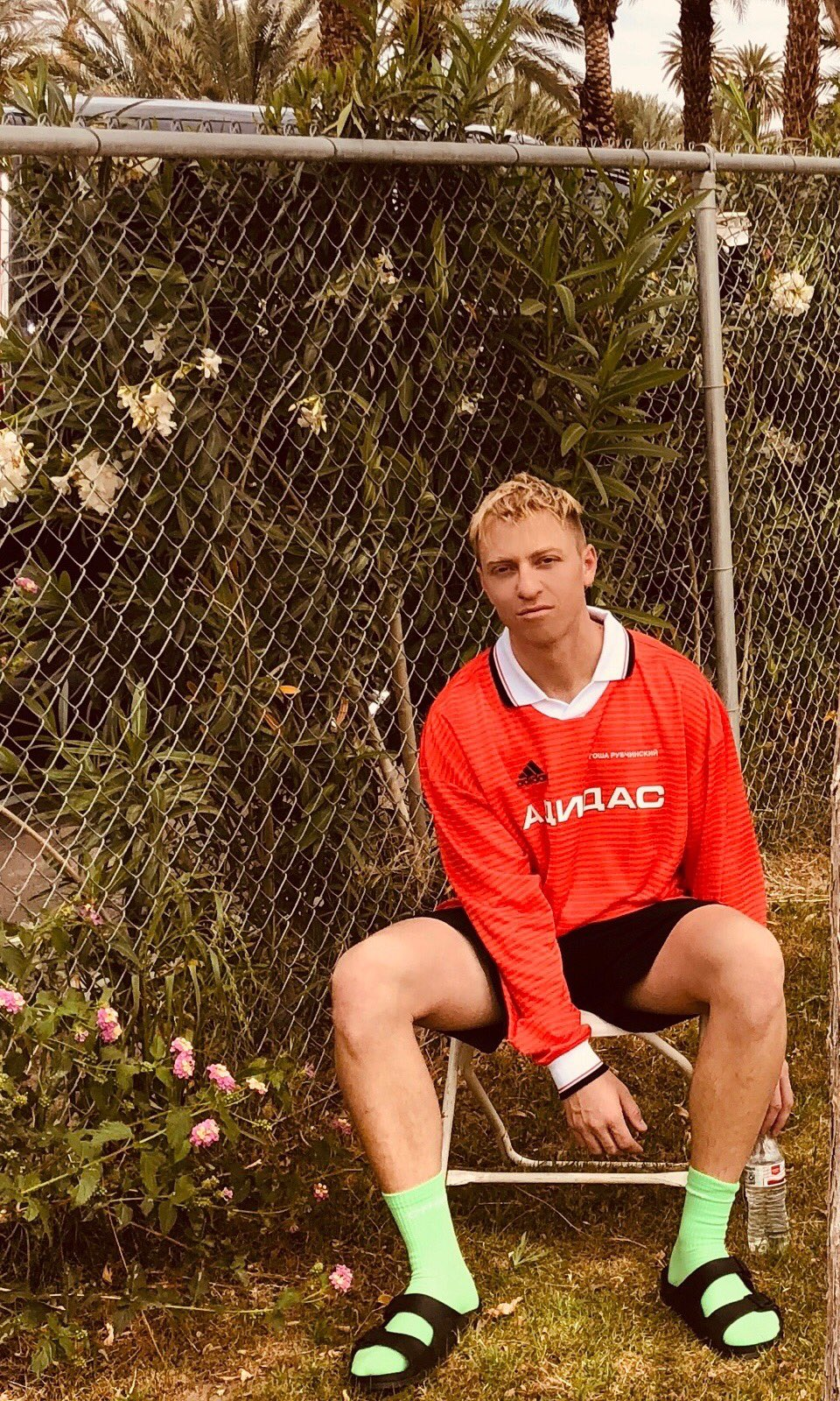.@thedrumsforever are taking over our Snapchat rn! Follow along �� @coachella �� Antoine Dykmans https://t.co/lpM2jHkpJ6