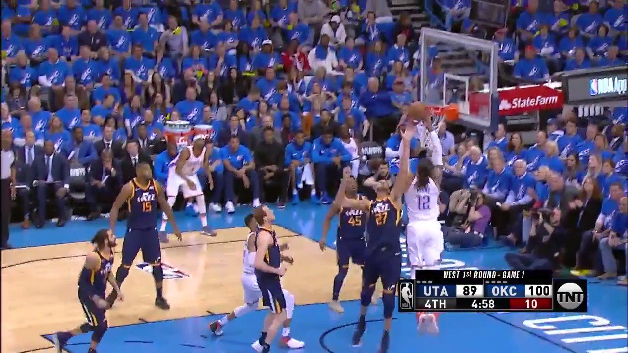 Westbrook lobs it up to Steven Adams!  @okcthunder 102 | @utahjazz 89  ⏰: 4:53 remaining in the 4th on @NBAonTNT https://t.co/aE7flgSG5M