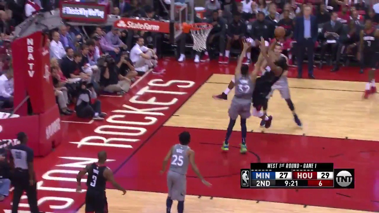 Nene shows off the concentration and touch!  #Rockets @NBAonTNT https://t.co/ywSVl3vDym
