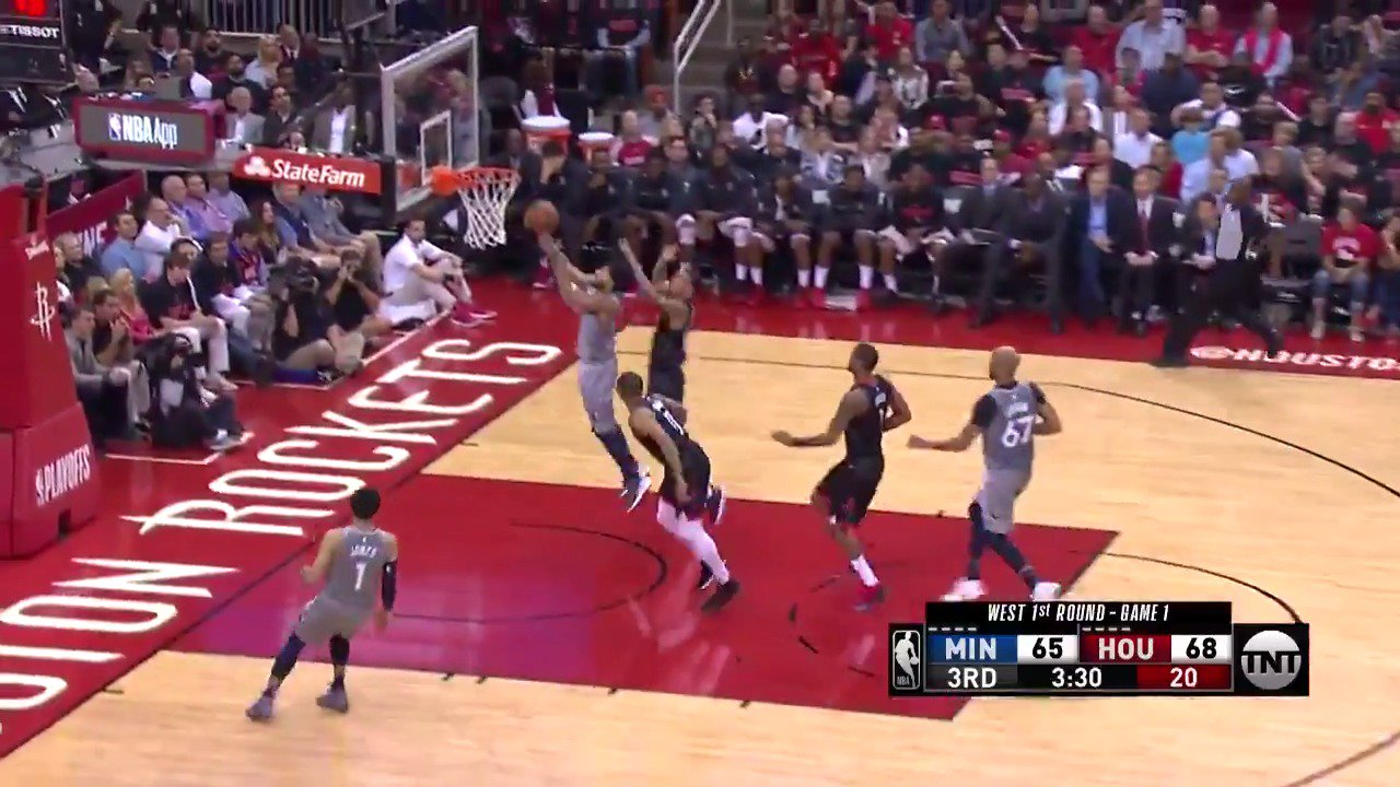 Karl-Anthony Towns swat ➡️ Derrick Rose layup!  #AllEyesNorth @NBAonTNT https://t.co/BMLOIpr0mB