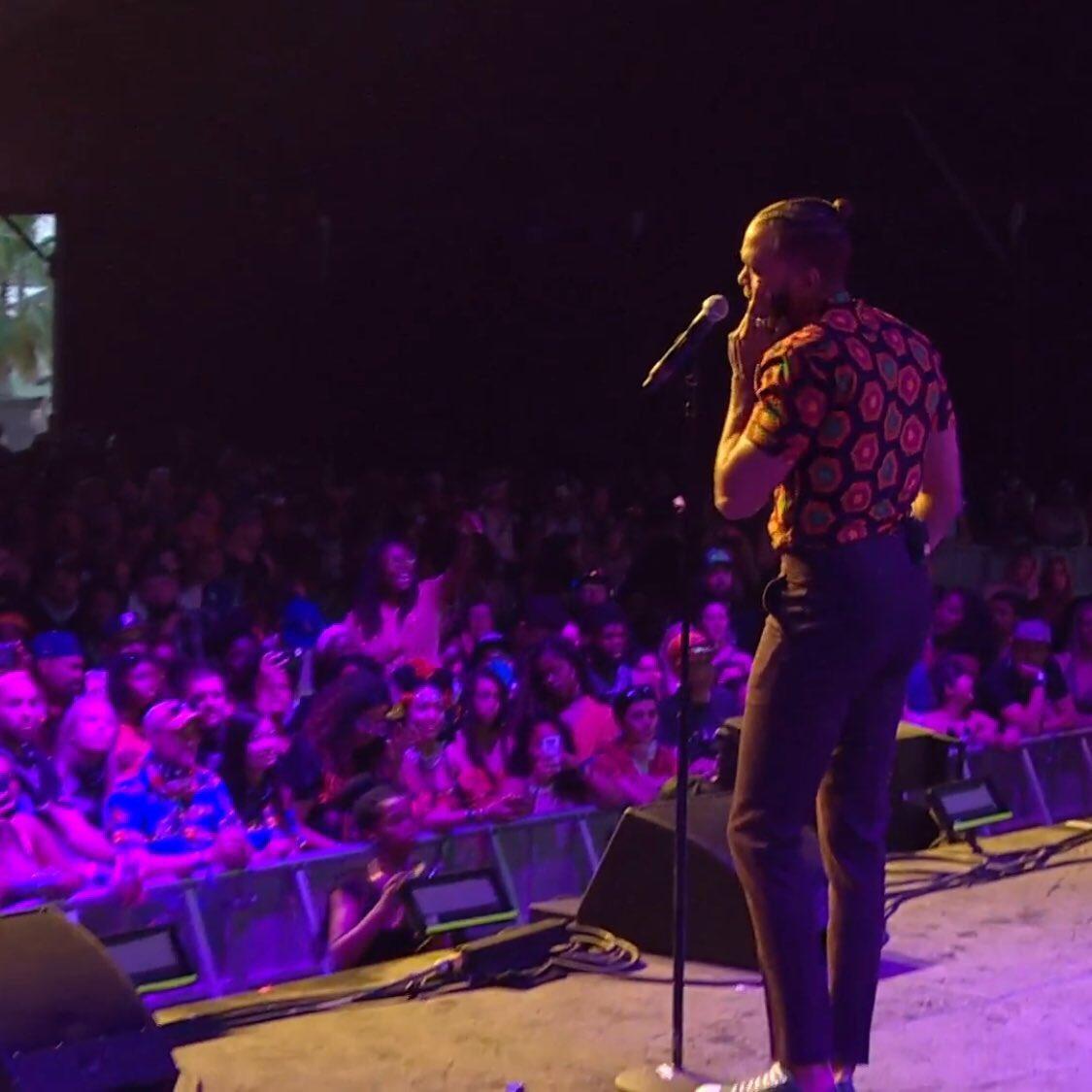 .@Wondaland Artist @Jidenna is Live At #Coachella18 https://t.co/PdN5r7Aftb