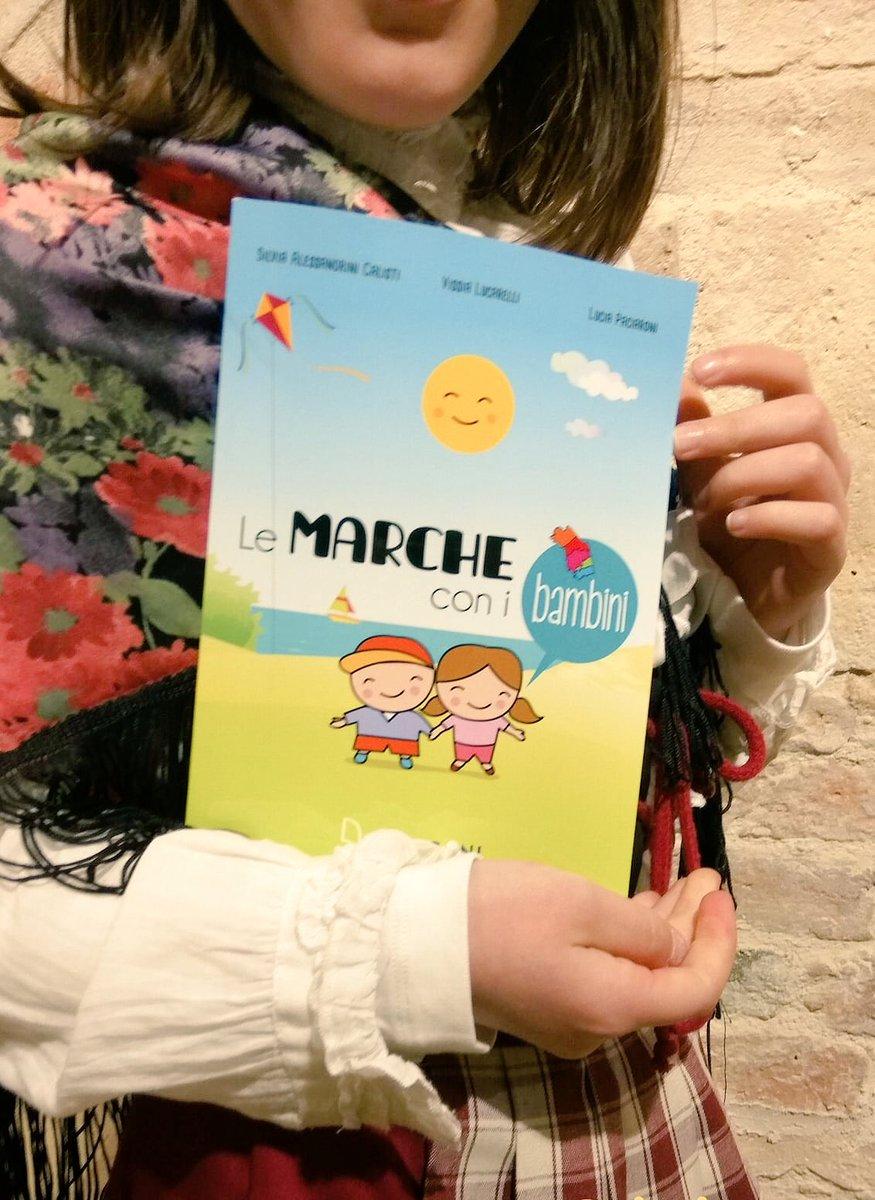 test Twitter Media - Una foto che ci ha fatto sorridere e ci ha reso molto felici: a #Montegiorgio per la presentazione di #LeMarcheconibambini una bambina in costume tipico marchigiano e il nostro #libro! #LeMarche #viviamolemarche #marcheforkids https://t.co/uG5H8r2Exp
