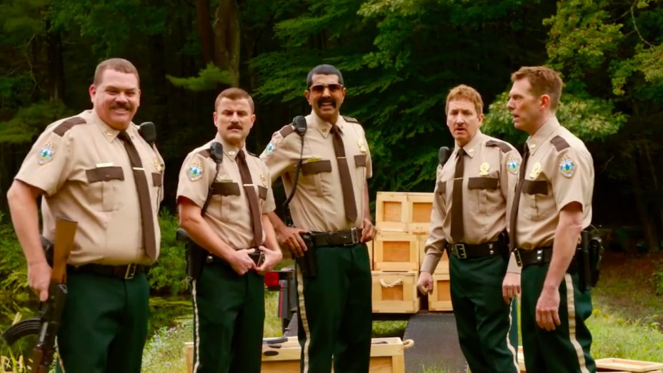 Film review: #SuperTroopers2 https://t.co/Wi6UBsBKKq https://t.co/SkZTootoFf