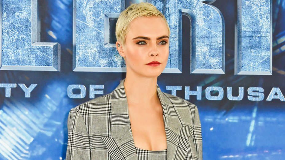 Cara Delevingne calls out #Coachella's owner for being 'anti-LGBT': https://t.co/JVAUuh3VUT https://t.co/zaguOd346F