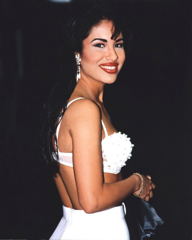 Happy Birthday bby girl Selena Quintanilla te amo mi reina. Legends never Die