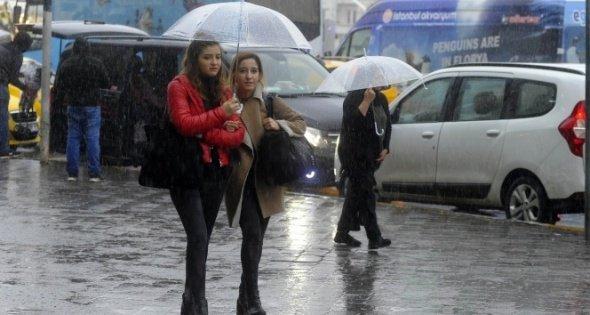 Meteoroloji saat verdi! Yağış geliyor https://t.co/kAdOwSzzWe https://t.co/ZxpOzApYQk