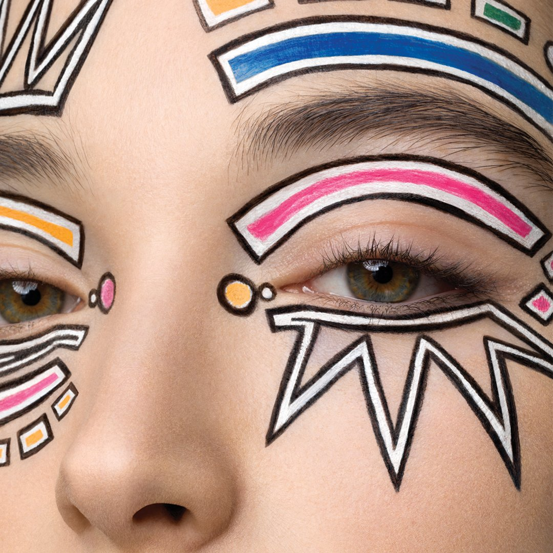 Liberated creativity with a strong #makeup with graphic lines & bold colors by Peter Philips for @grazia_fr https://t.co/6ppubh4hr3