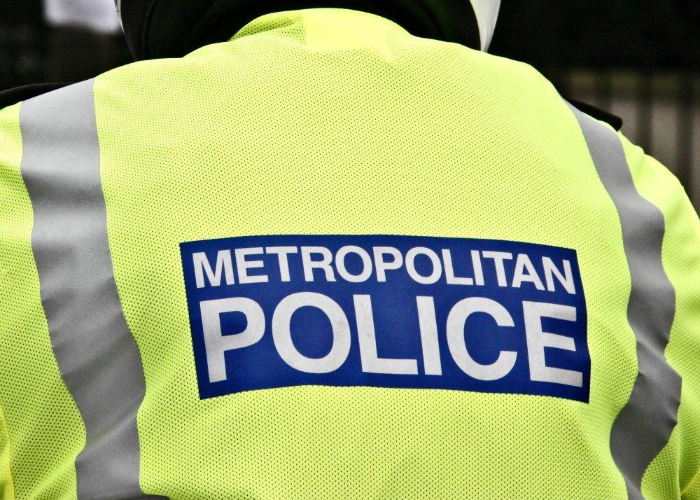 Death of man in #HitherGreen #Lewisham https://t.co/Lg2qbPNr0M https://t.co/di4nRoPQUN