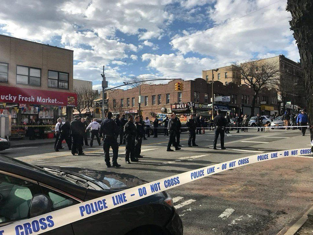 New York police shoot black man holding pipe after reports he had firearm