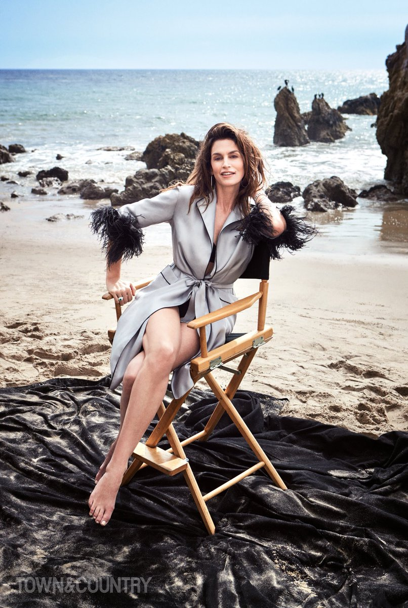 Taking you to the beach in the new issue of @TandCmag, out today! ???? #VictorDemarchelier   https://t.co/0t0fNHE42S https://t.co/nYqMShhu3b