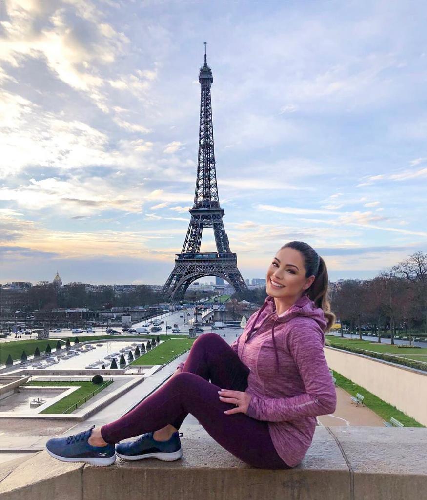 RT @SKECHERSUSA: Paris looks good on you @IAMKELLYBROOK (& #Skechers Ultra Flex) ???? #skechers https://t.co/4mFaAkfLc4 https://t.co/ZbvOXtcQJY