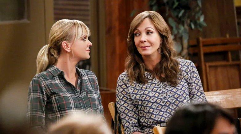 The CBS comedy Mom has earned a sixth season pickup:
