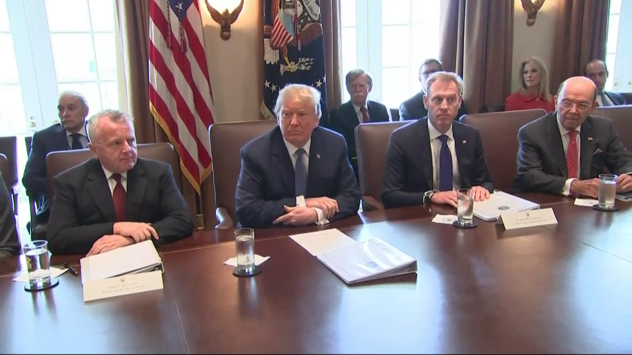 .@POTUS Trump condemns the heinous attack on innocent Syrians with banned chemical weapons. #Syria https://t.co/qiEahlL3Ah