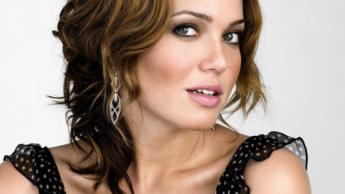 Happy Birthday to Mandy Moore   About: