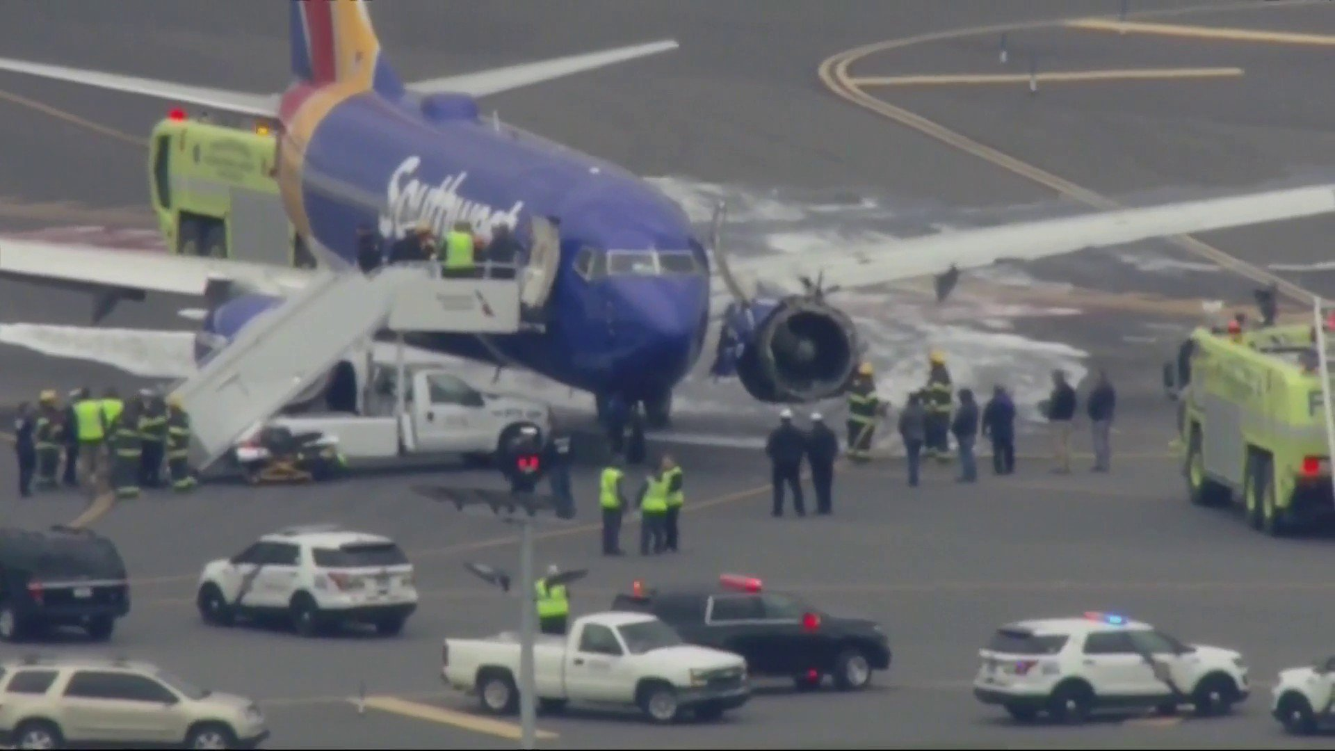LATEST: Southwest Airlines flight makes emergency landing at Philadelphia airport. https://t.co/wshrfGFC6p https://t.co/nmtBgEGPZ1
