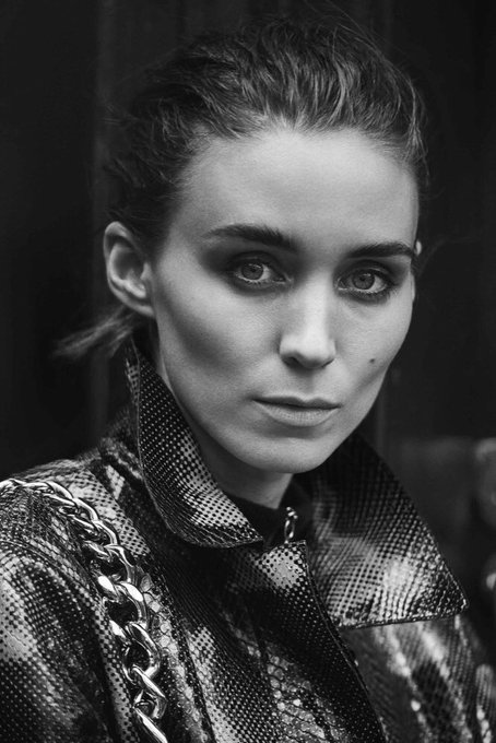 Happy birthday to my boooooo, Rooney Mara!        Right,