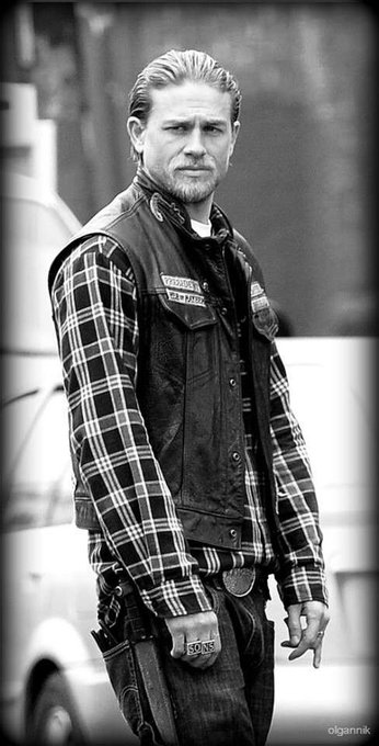Happy birthday Charlie Hunnam (Jax Teller)