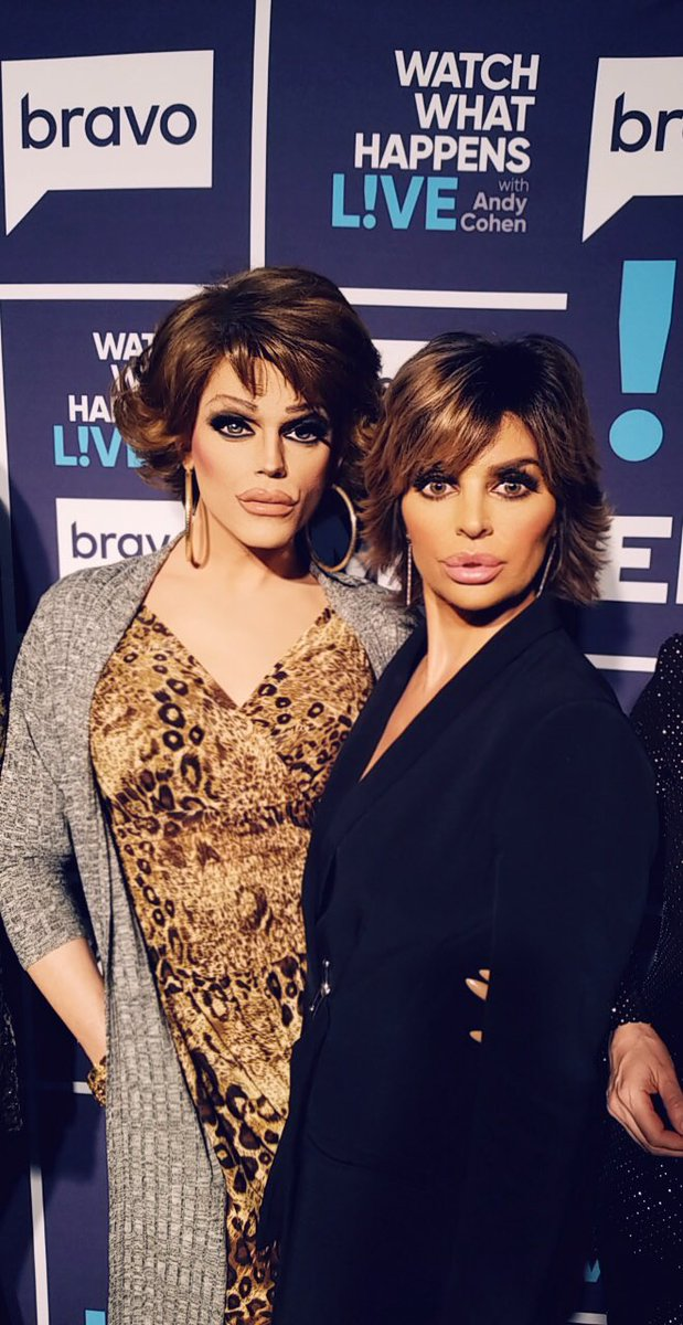 Rinna x 2 #WWHL ???????? https://t.co/YktzqlRcjY