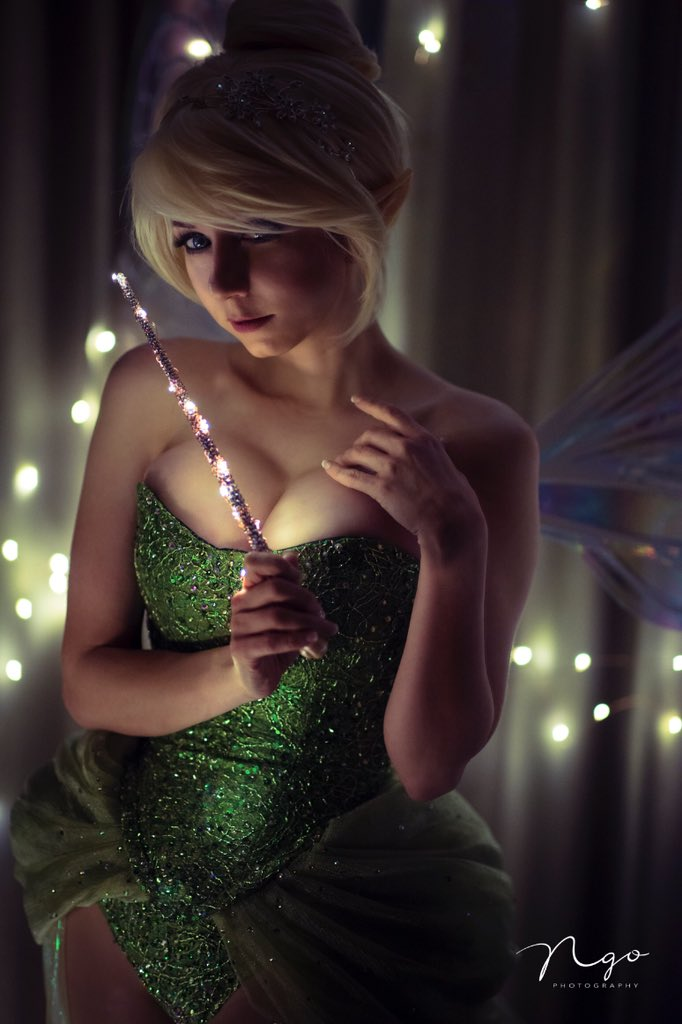 Do you believe in fairies?? Photo by NGO. TY PurplePlum for sponsoring my wig! Costume by me! Expect tons more photos of Tink! https://t.co/Pf5Cr8mSwb