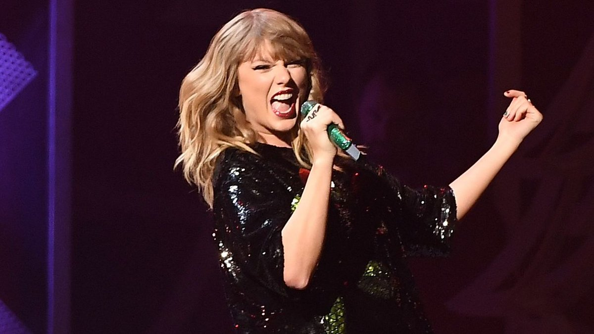 Taylor Swift's New Tour Rehearsal Pics Hint At Lots Of Dancing Ahead