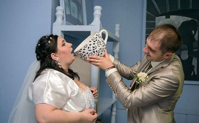 The Most WTF Wedding Photos Of All Time >>>> https://t.co/wCe04riKT8 https://t.co/PBYP7O2MMB