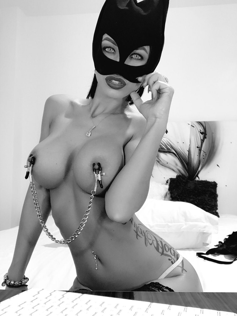 Check out my downloadable videos store here! over 400 movies 4OaWd32wNm 7n