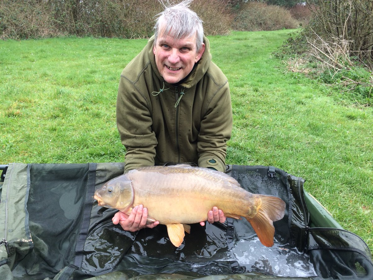 Dad got us off the mark with an angry 19.5 lb mirror #thatscarpy #carpfishing #Tightlines #manilla h
