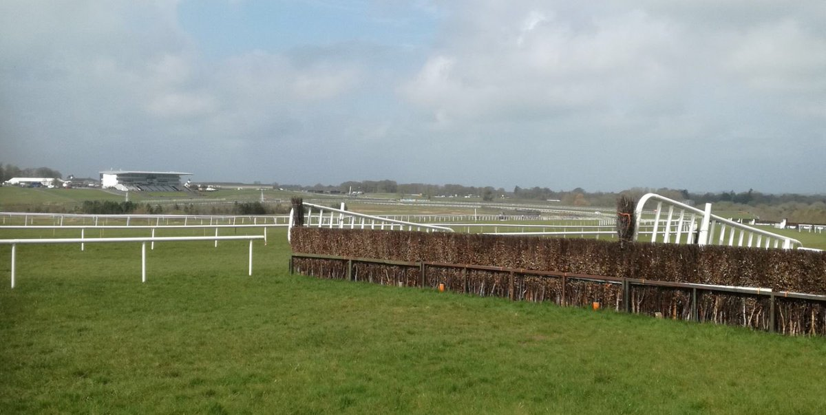 test Twitter Media - Sun shining on @LimerickRaces for the @SPINSouthWest Student Race day https://t.co/4jwaT7zm45