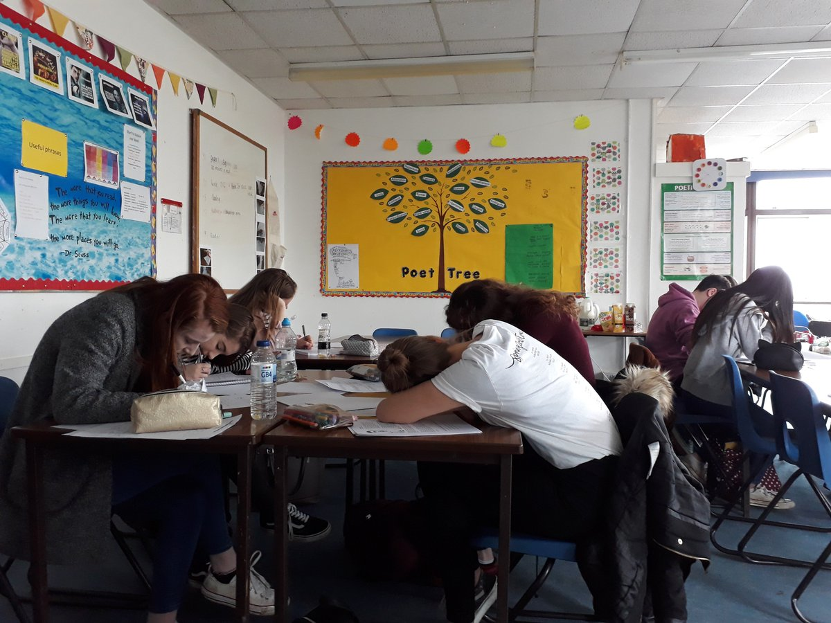test Twitter Media - RT @JuliaCobb4: Y11 working hard in English Revision @CartertonCC https://t.co/GRpLKaE7OQ