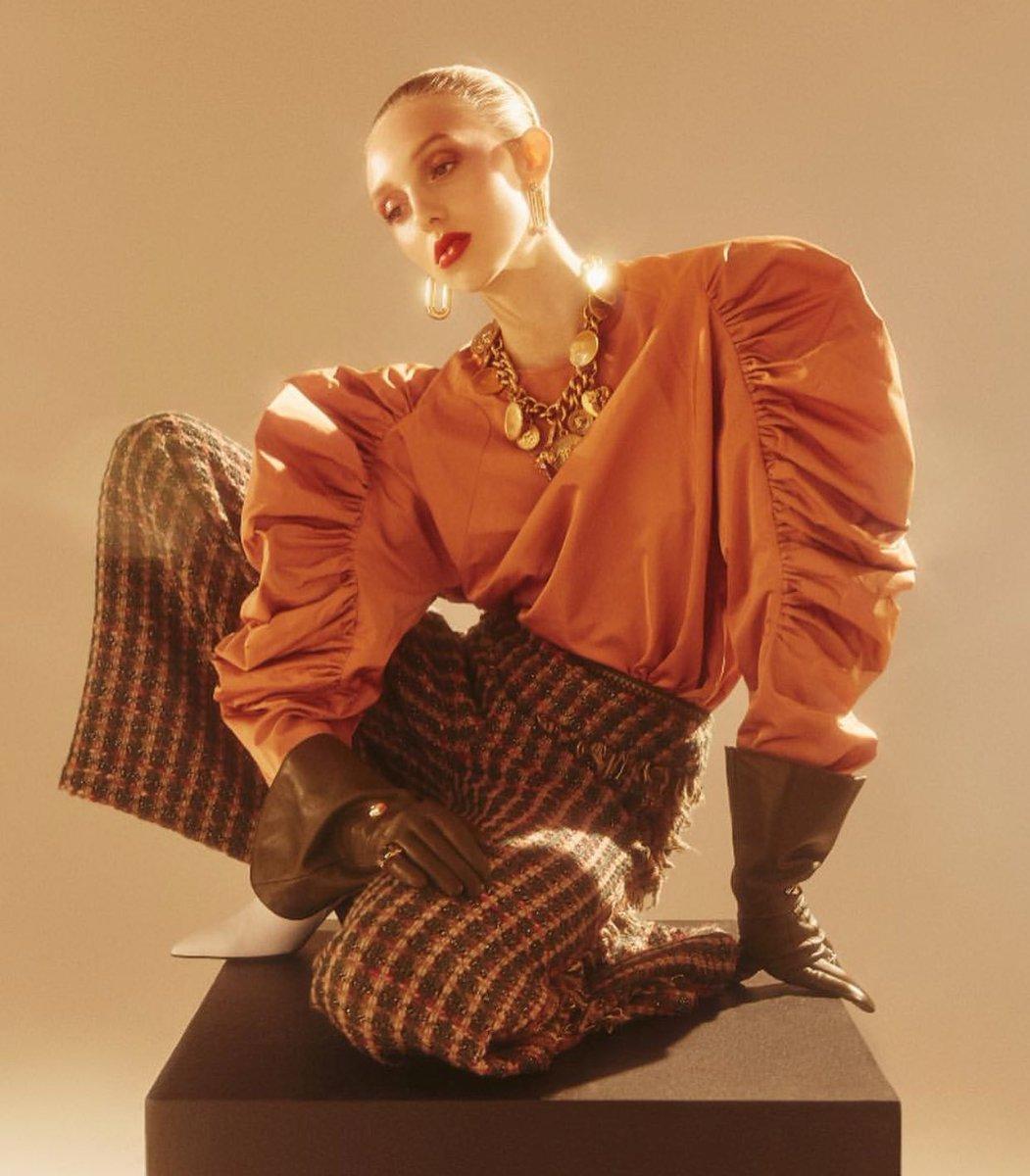 Editorial fashion stylist jobs 88