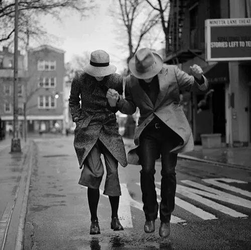 ...divertirsi con qualcuno, condividere momenti piacevoli, crea una grande intimità, complicità ...❤ https://t.co/ofFRCLnHVK