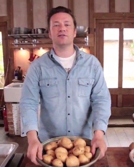 1 potato, 2 potato, 3 potato... 5! ???? Jamie's ultimate potato recipes, 5 ways. https://t.co/Tm75fbIyKu