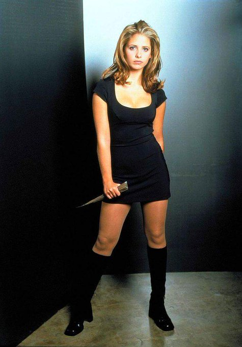 Happy Birthday to Sarah Michelle Gellar who turns 41 today!  Pictured here as Buffy The Vampire Slayer.