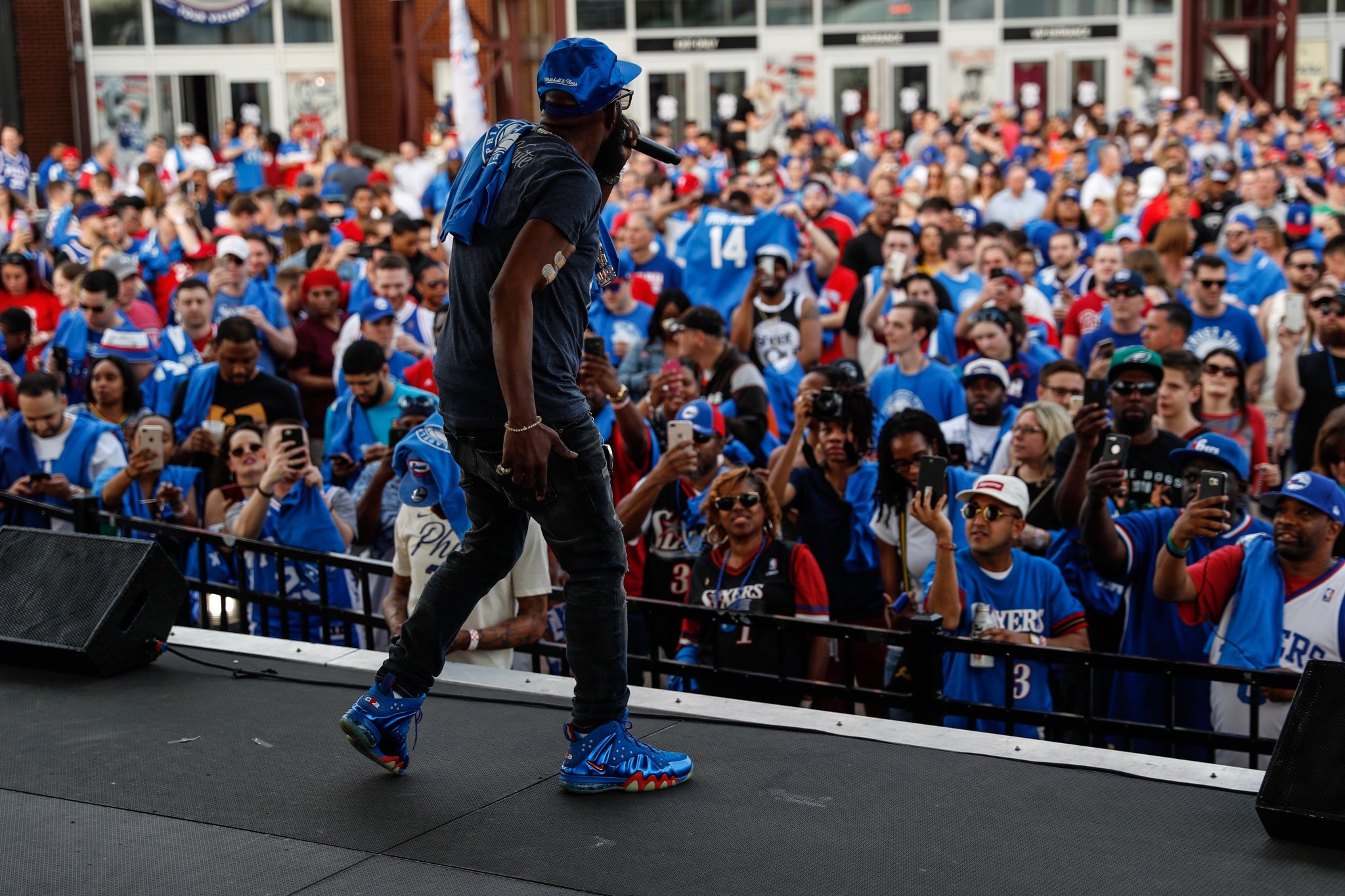 It's poppin' over at @XfinityLive with @Phillyfreezer!   #PhilaUnite x #HereTheyCome https://t.co/N9q7ZSypU6
