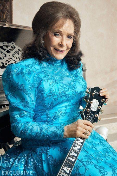 Happy 86th birthday to the incomparable Loretta Lynn!!!