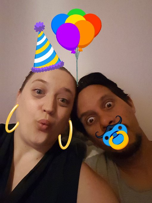 Encore happy birthday Sandra!!! Gros bisous de nous.