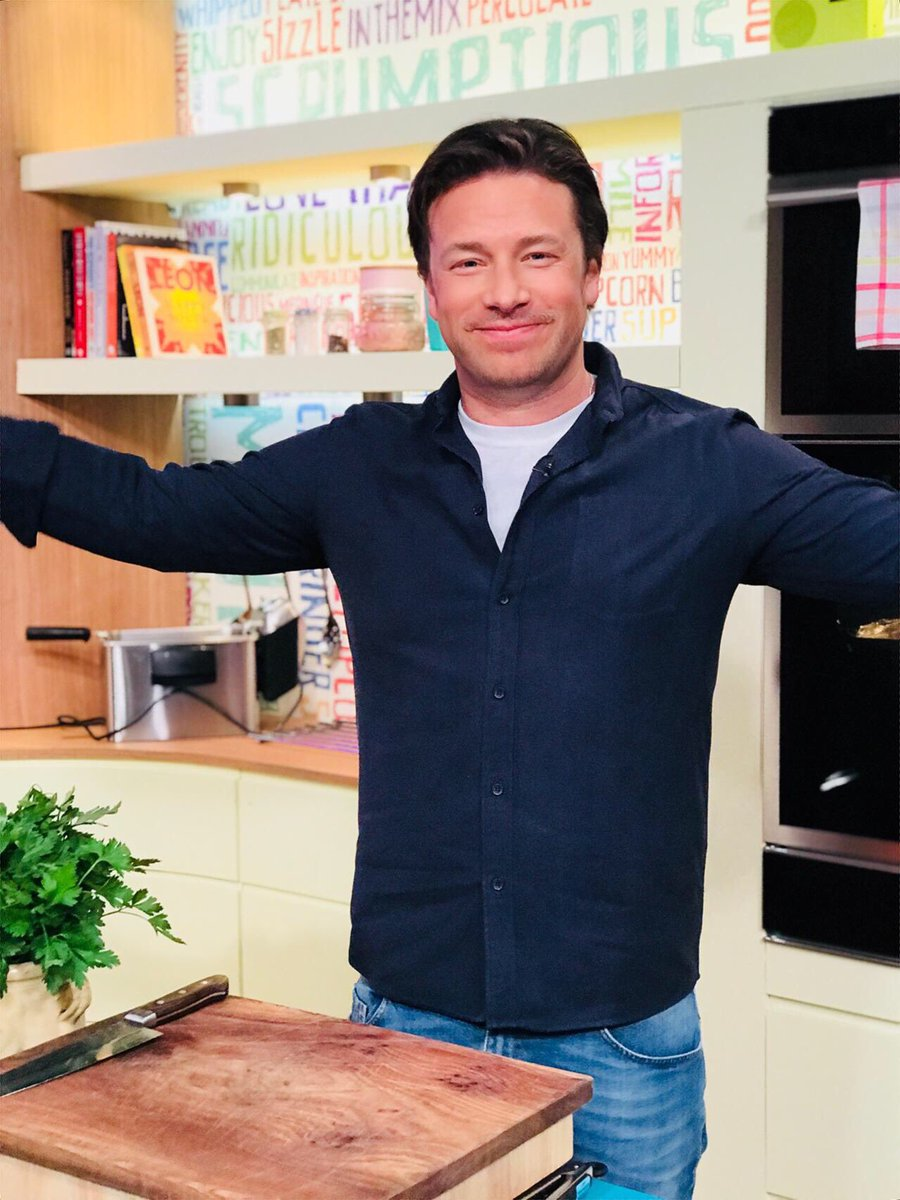 RT @SundayBrunchC4: Sorry but we are just so excited right now ???? @jamieoliver https://t.co/txAtE0J2Qu