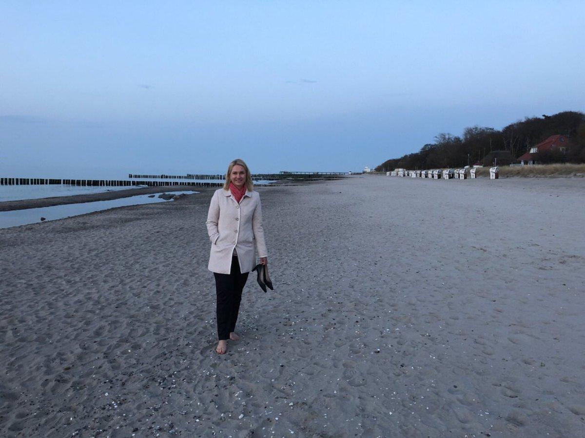 Kurzer Strandspaziergang in #Kühlungsborn zum Abschluss...Vorfreude auf den Sommer in #MV😉 https://t.co/poBLeEWo1S