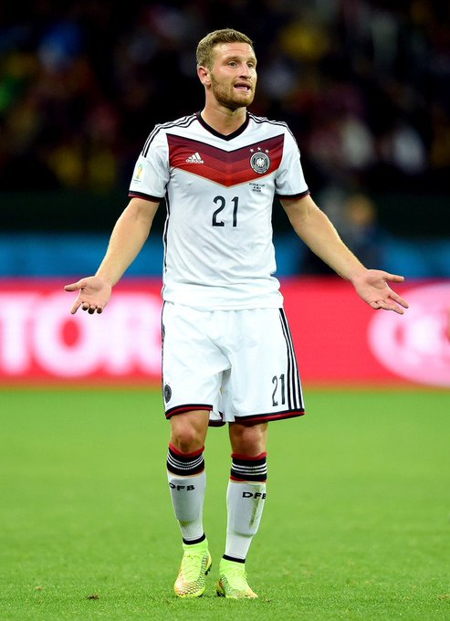 Happy birthday Shkodran Mustafi(born 17.4.1992)