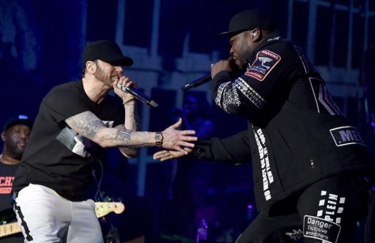 What's YOUR Favorite Track With Me & @Eminem ?? ????????  https://t.co/tBKSNGMtfi https://t.co/2AwF0HaYuR