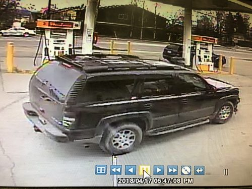 Anchorage police seek 4 suspects in Spenard gas station robbery, shooting