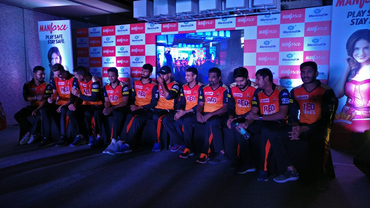 #OrangeArmy is on stage for the Meet and Greet https://t.co/4NWFSC5V78