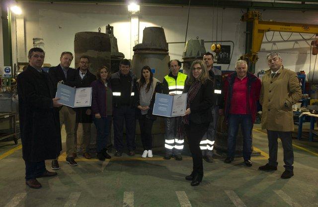 test Twitter Media - Nuestro CEO, David Galeote y nuestro responsable en Galicia, Jaime Rodrigo, han hecho entrega de los certificados de #Calidad y #MedioAmbiente a la empresa Medioambiental Oitabén, S.L. #ISO9001 #ISO14001 https://t.co/mbZRsefZ1U