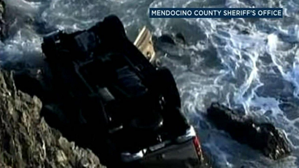 Mom drunk, kids drugged when SUV plunged off cliff, sheriff says