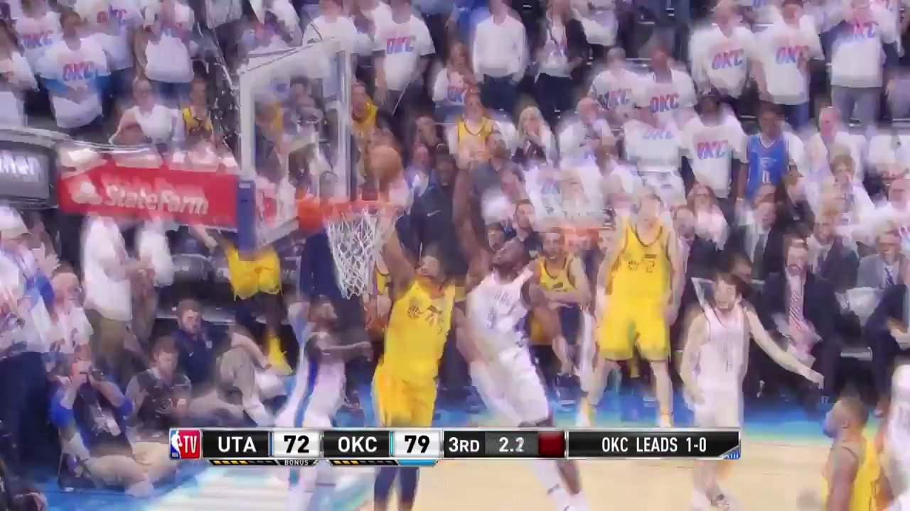 Donovan Mitchell attacks for the jam to end the 3rd!  #TakeNote #NBARooks https://t.co/3VDHTwkupE
