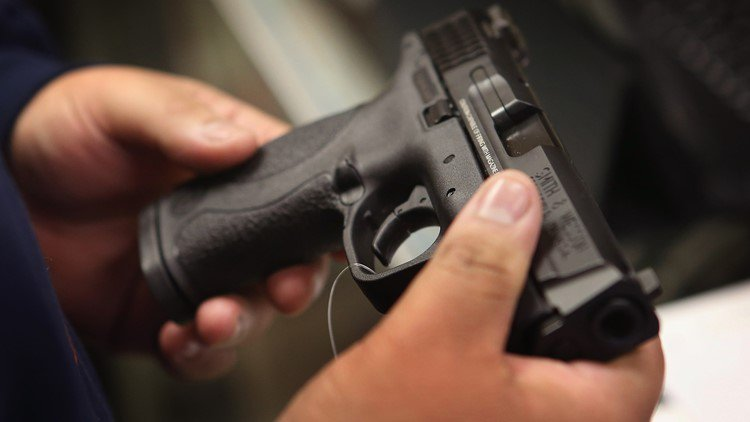 Toddler shoots pregnant mom while playing with father's loaded gun