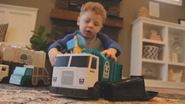 Adorable 3-year-old boy's world revolves around trash day - | WBTV Charlotte