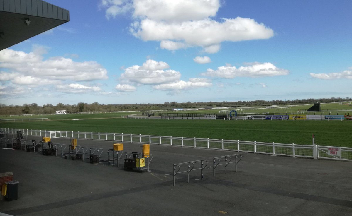 test Twitter Media - It's blue skies all the way in @Fairyhouse  #ComeRacing https://t.co/3yz5rUEsaU