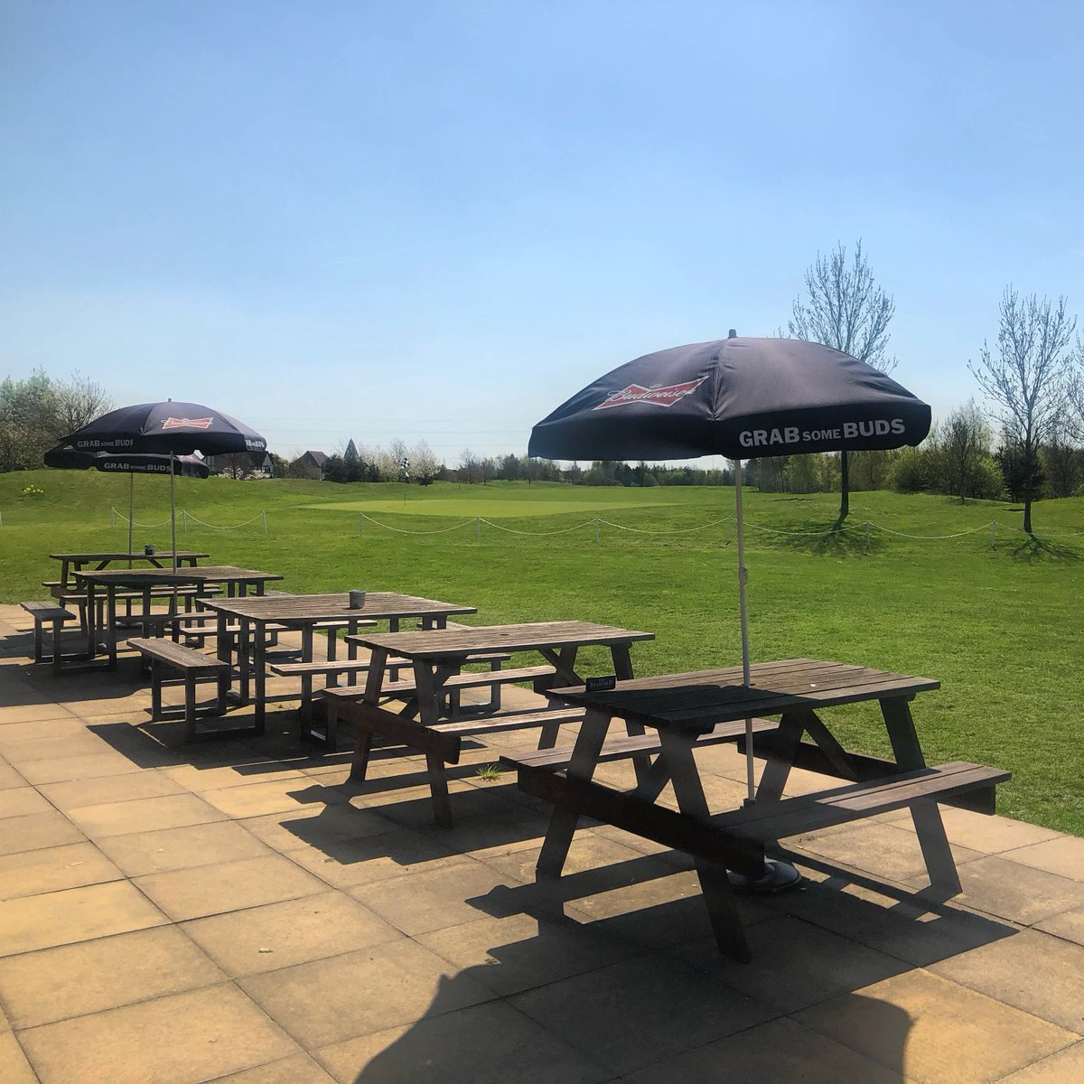 test Twitter Media - The sun is shining, the umbreallas are out and people are smiling, Summer must be on it's way... Join us for a bite to eat or a drink in the sun! https://t.co/Wvxm4bOb9C