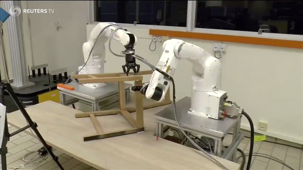 Robots assemble an IKEA  chair frame https://t.co/mvkwhniZaR via @ReutersTV https://t.co/y5vJmPofOr